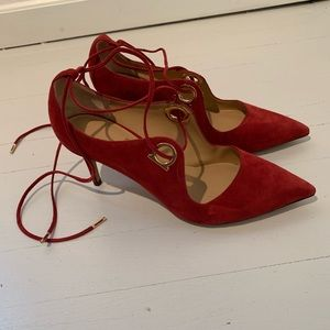 $1050 NEW Salvatore Ferragamo red suede pumps